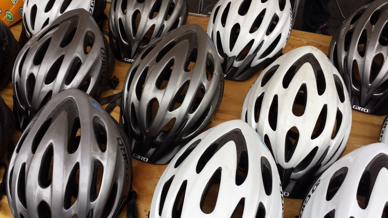 Cascos Helmet Bicycle Parts Cascos Para Ciclistas CDMX ❤ Cdmx2016 Mexico City Cdmx City Life No People