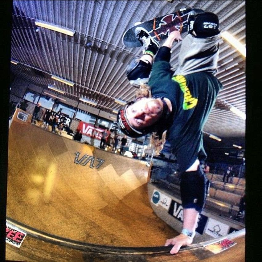 Switcharoo by @eddiethink during first session off the plane at Vertattack7 . Resting in my room, going over posts from a great weekend skating with some of the greatest Pros, Ams, Young guns, and Masters in the world. Thanks Eddie, thank you Jmag Thankyouskateboarding