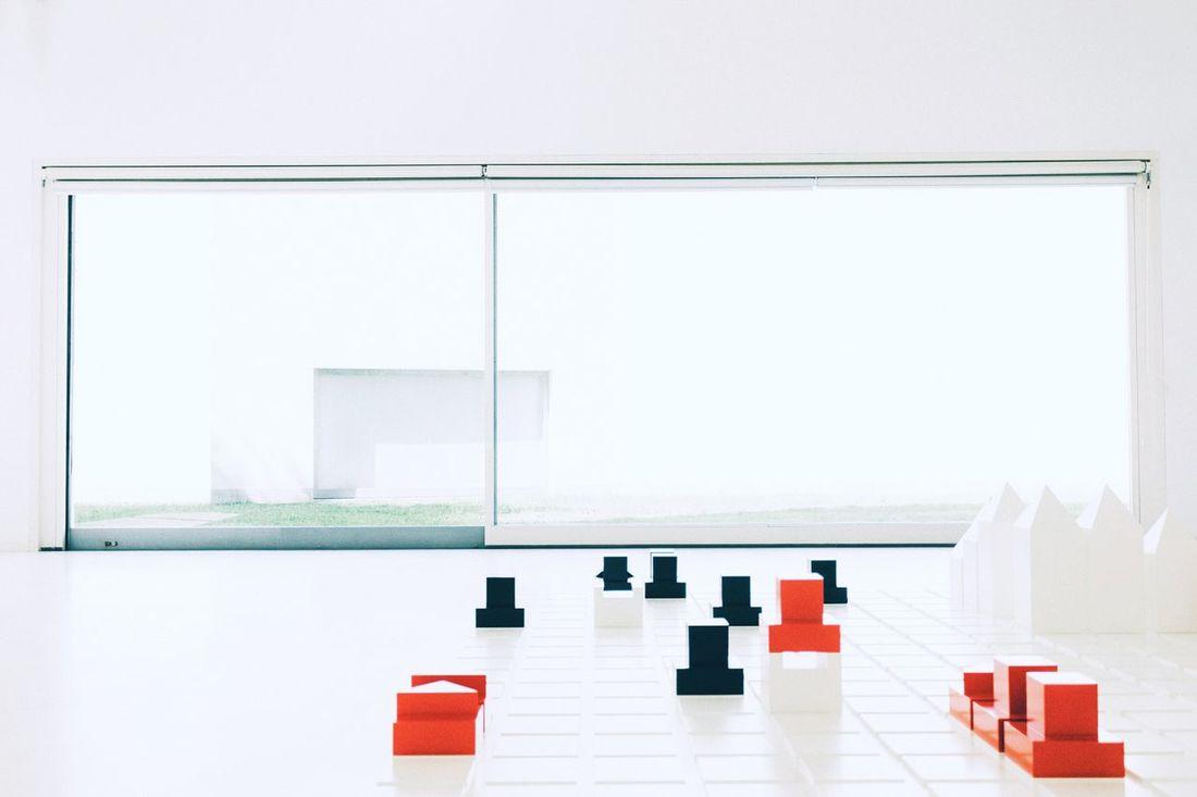 Arquitecture Lightroom VSCO The Architect - 2016 EyeEm Awards Minimalistic Vscoarchitecture Minimalism Eyem Best Shot - Architecture VSCO07 The Architect- 2016 Eyeem Awards Group Of Objects Geometric Shape Red White