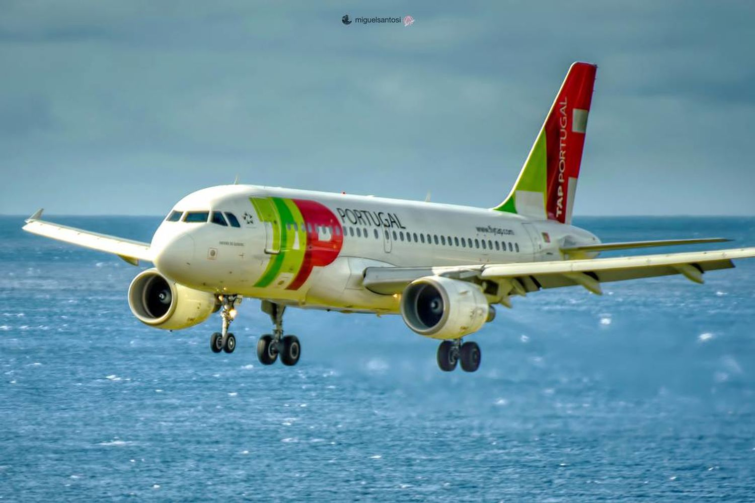 Aviationaddict Aviation Aviationphotography Aviationlovers Aviationgeek AirPlane ✈ Tap Tapportugal Spotting Saomiguelisland Airplane Air Vehicle Transportation Airport Airport Runway Commercial Airplane Engine Jet Engine Aircraft Wing Flying