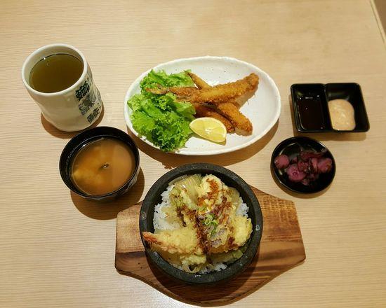Table Ready-to-eat Food Plate Gourmet Freshness Wood High Angle View Seafood Soup Miso Soup Ocha Green Tea <3 Ricebowl Shisamo Tempura Pickles Lettuce Vegetable Prawn