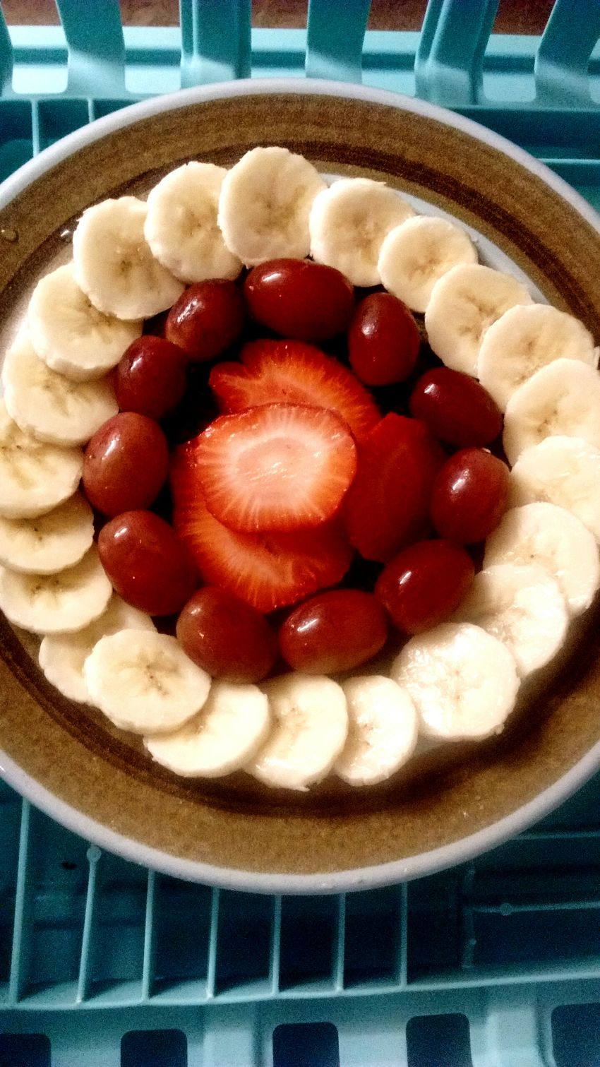 Food Freshness Healthy Eating Ready-to-eat Red Fruit Plate Strawberry Sliced Banana Grapes