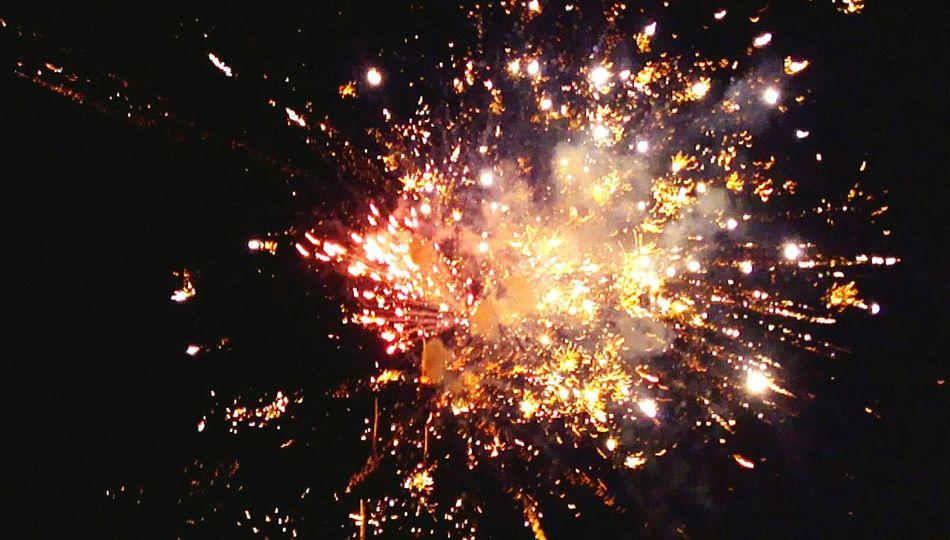 Fireworks Firecracker Sky Night Resist