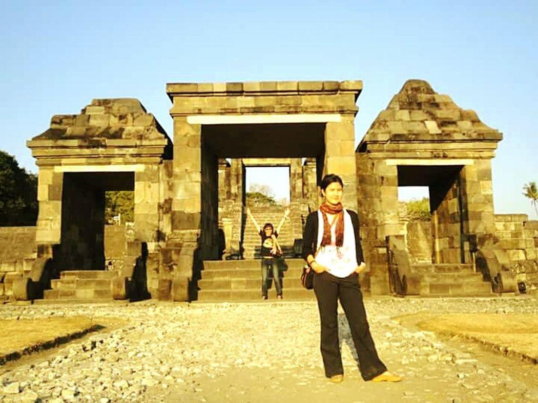 Learn & Shoot: Layering People Traveling Summer Views Enjoying Life EMCSummerViews Friendship Temple EyeEm Indonesia