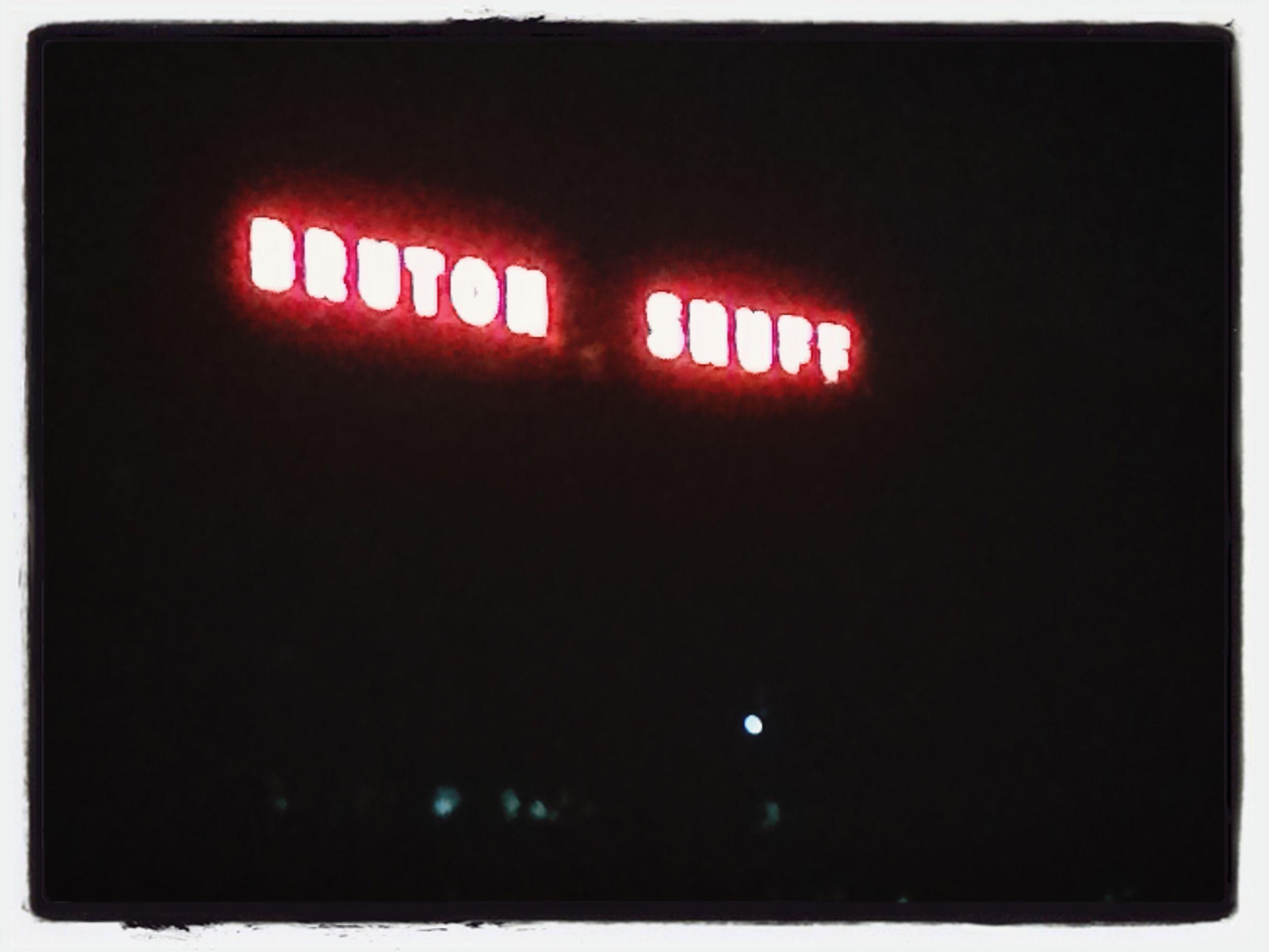 Bruton Snuff Random Sign