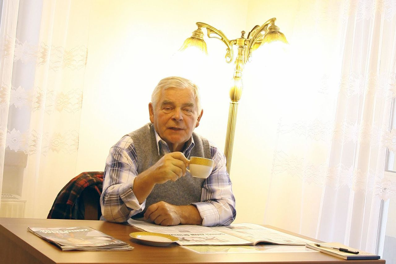 A man sitting at the table and drinking coffee. Coffee Drink Free Open Edit Inside Leasure Activity Looking At Camera Man Old Old Age Portrait Relaxation Senior Adult Sitting Table Tea