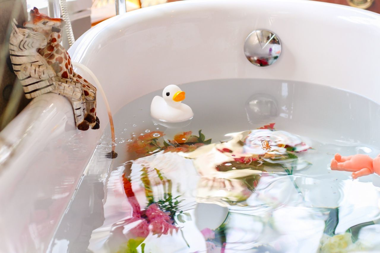 Bath Bath Time Relaxing Enjoying Life Duck Toys Enjoy Life EyeEm Gallery Enjoy Water Reflections