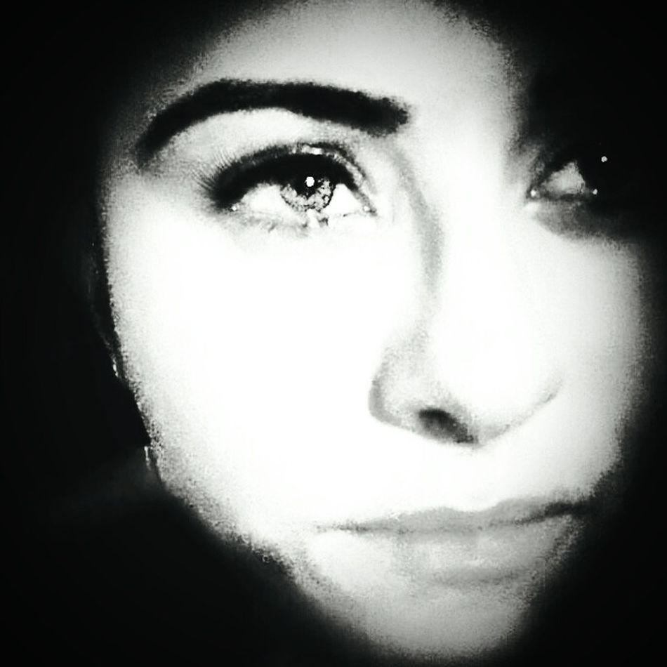Looking At Camera Portrait Human Face EyeEm Best Shots - Black + White First Eyeem Photo EyeEm EyeEm Gallery Eyeemcolours EyeEm Team Hello World EyeEm Best Shots Green Color Uykusuz Uykusuzluk mutlu olanlarin hepsi uyuyor mutsuz olanlara selam olsun