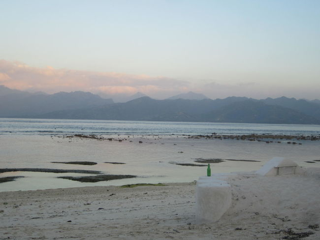 Dusk captured on the white sands of Gili Trawangan, Lombok. ASIA Backpacker Bali Beach Calm Dusk Gili Trawangan Horizon Over Water INDONESIA Landscape Lilac Lombok-Indonesia Mountains And Sky Pink Sand Sea Sea And Sky Sunset Silhouettes Sunset_collection Tranquility Travel Wanderlust White Sand