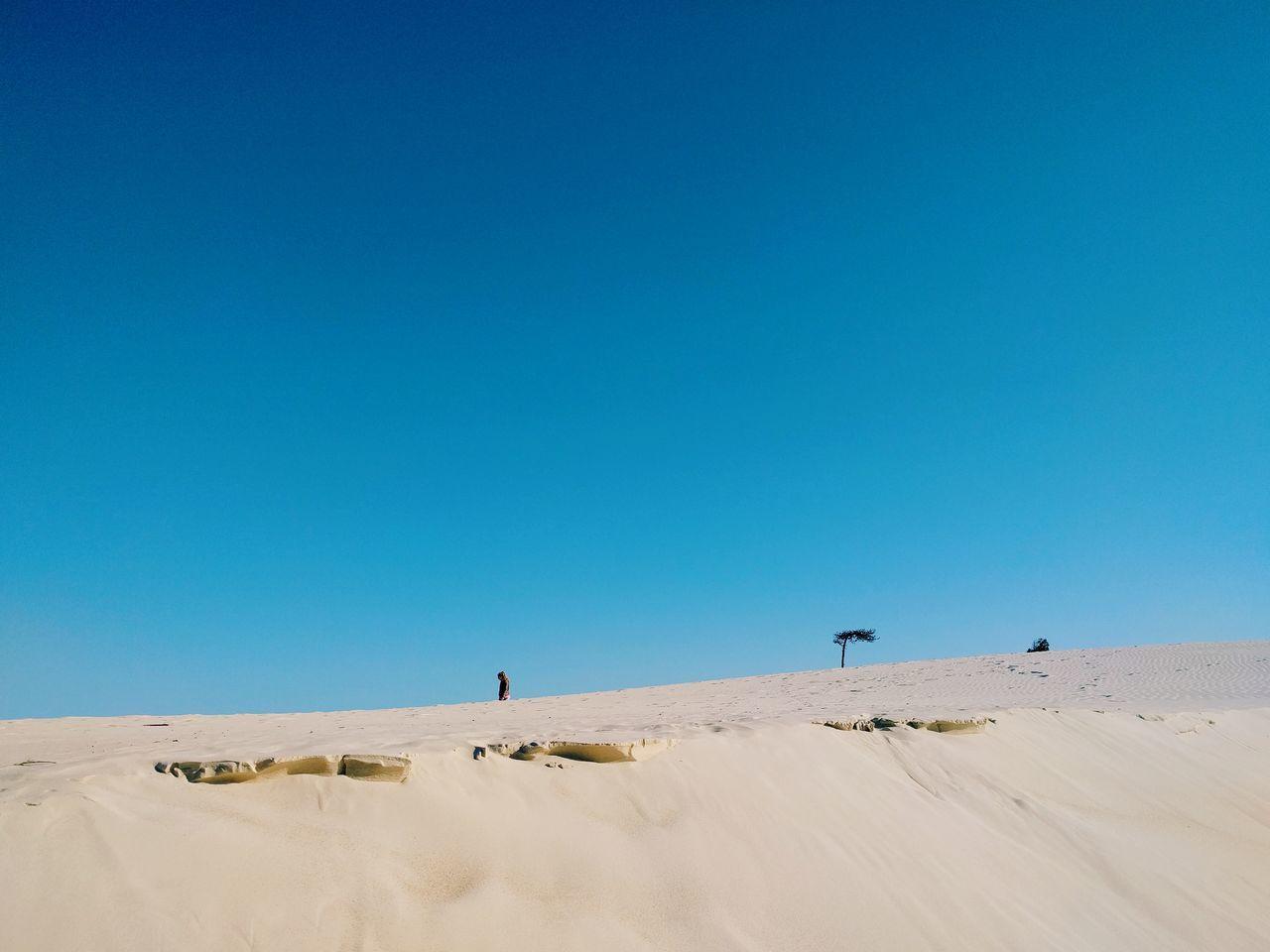 Horizonte de arena Sand Sunny Sand Dune Heat - Temperature Clear Sky Outdoors Travel Destinations Scenics Day Landscape Sky Nature Blue Foto Photo Tranquil Scene