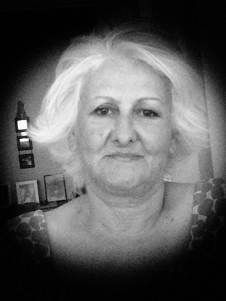 Looking At Camera Portrait Real People Lifestyles Indoors  Close-up One Person People Day Adult Women Motherlove Beautiful Woman Black And White Photography Good Night One Woman Only Nature Motherslove