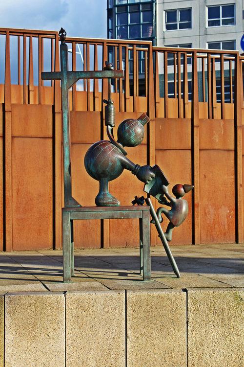 Art ArtWork Cute Guillotine Metal Metal Art Metal Sculptures Museum Railing Rusty Steel Steel Art Steel Sculpture Sunny Day