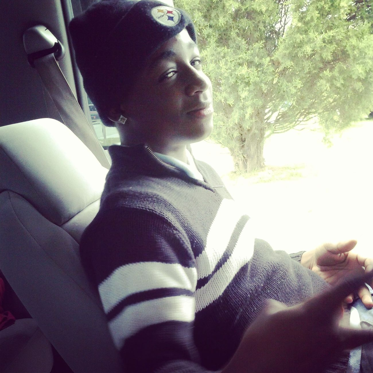 my boyfriend : ) his smile is to diee for
