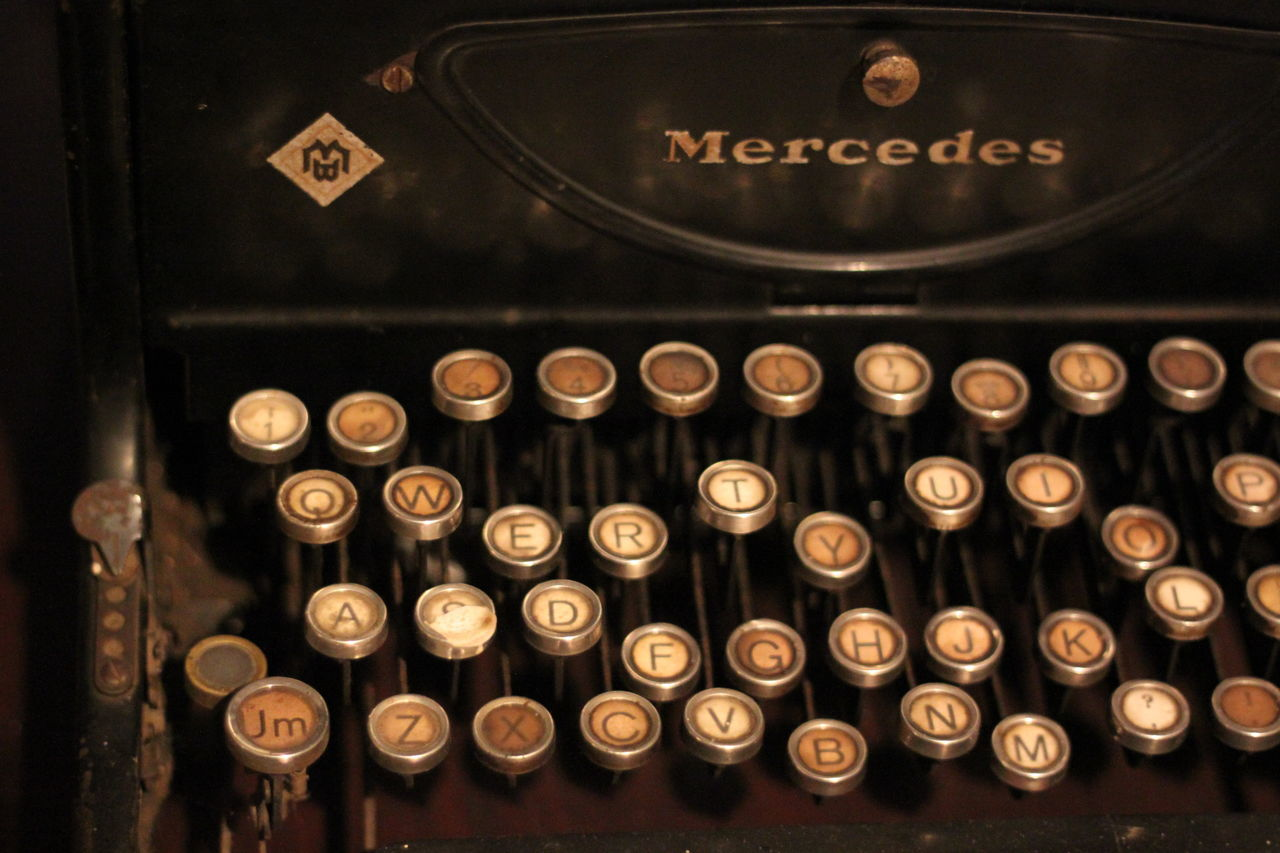 Analog Antique Close-up Communication Indoors  Metal No People Number Old Old-fashioned Qwerty Qwerty Keyboard Qwerty Old-fashion Keyboard Retro Styled Text Typewriter