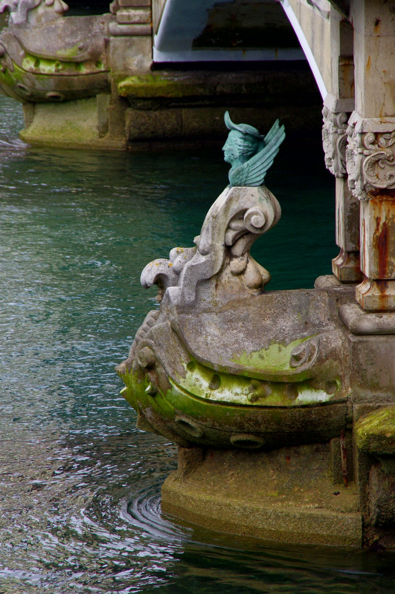 Water Animal Representation Statue Sculpture No People Animal Themes Animals In The Wild Outdoors Day Reptile Dragon Nature Close-up Españoles Y Sus Fotos Streamzoofamily EyeEm Selects Symplicity Architecture
