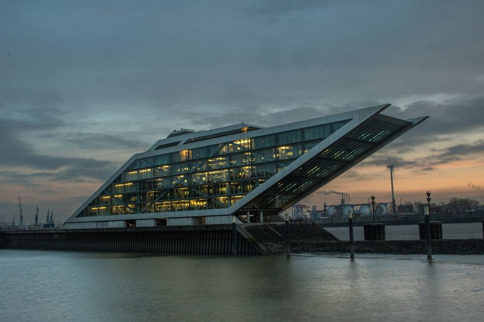 Dockland Dockland Hamburg Harbor Hafencity Hamburg Hamburgerhafen Architecture Boot Office Sunset Fine Art Photography Check This Out Fine Art Elbe River Germany Photos Official EyeEm © EyeEmNewHere Architecture Art Modern Water Cityscape City Work Abstract Abstract Photography Illuminated Welcome Weekly