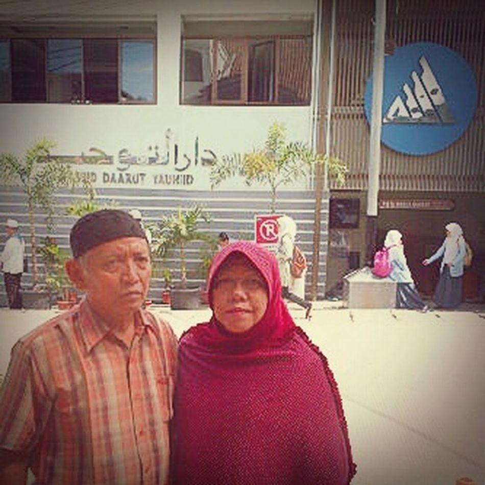 Mom Dad Daarut Tauhiid Bandung