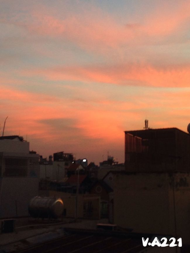 Sunset down in my town❤️❤️❤️ What a beautiful moment!!! Sunset Sky Cloud Cloud - Sky Old Buildings Neighborhood Beautiful View