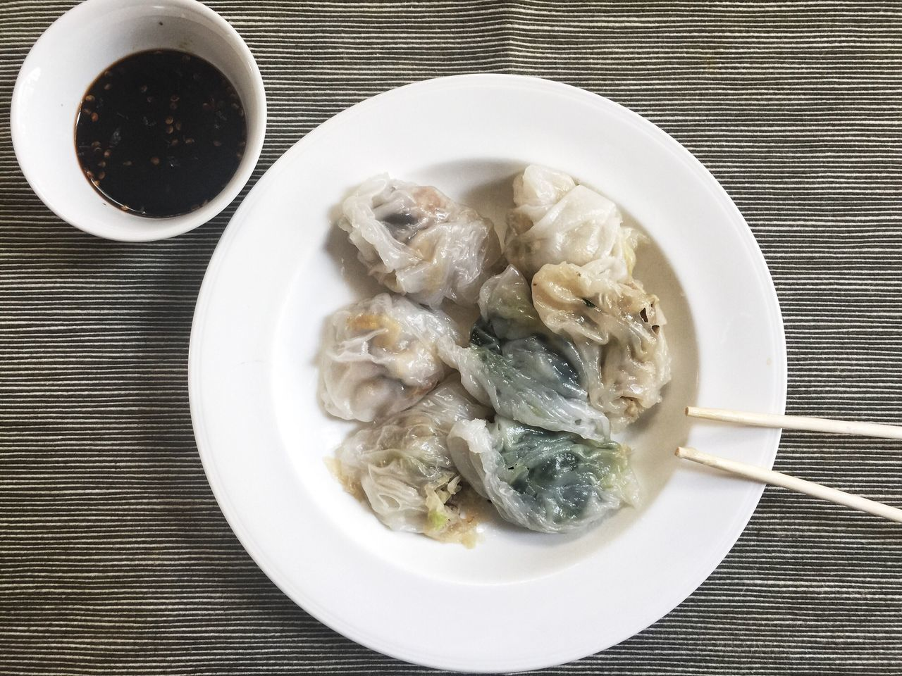 Appetizer of the day...Chinese chives dumpling Dumplings Chinese Dumplings Chinese Food Chinese Recipe Cuisine Chinese Cuisine Homemade Food Steamed Dumplings Served Hot Appitizer Ready-to-eat Delicious Tasty Foods Yummy Simply Delicious Bon Appétit! Traditional Food Dim Sum