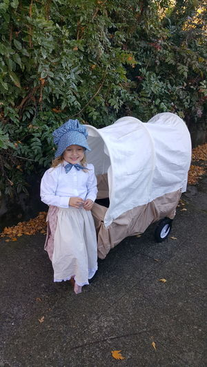 My little pioneer, at the end of the oregon trail, Oregon City. Outdoors ,Halloween, Costumes
