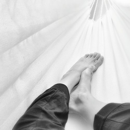 Saturday Afternoon in my Hammock | The Moment Black & White Spring Me Myself And I Taking Pictures Relaxing Time Barefoot |