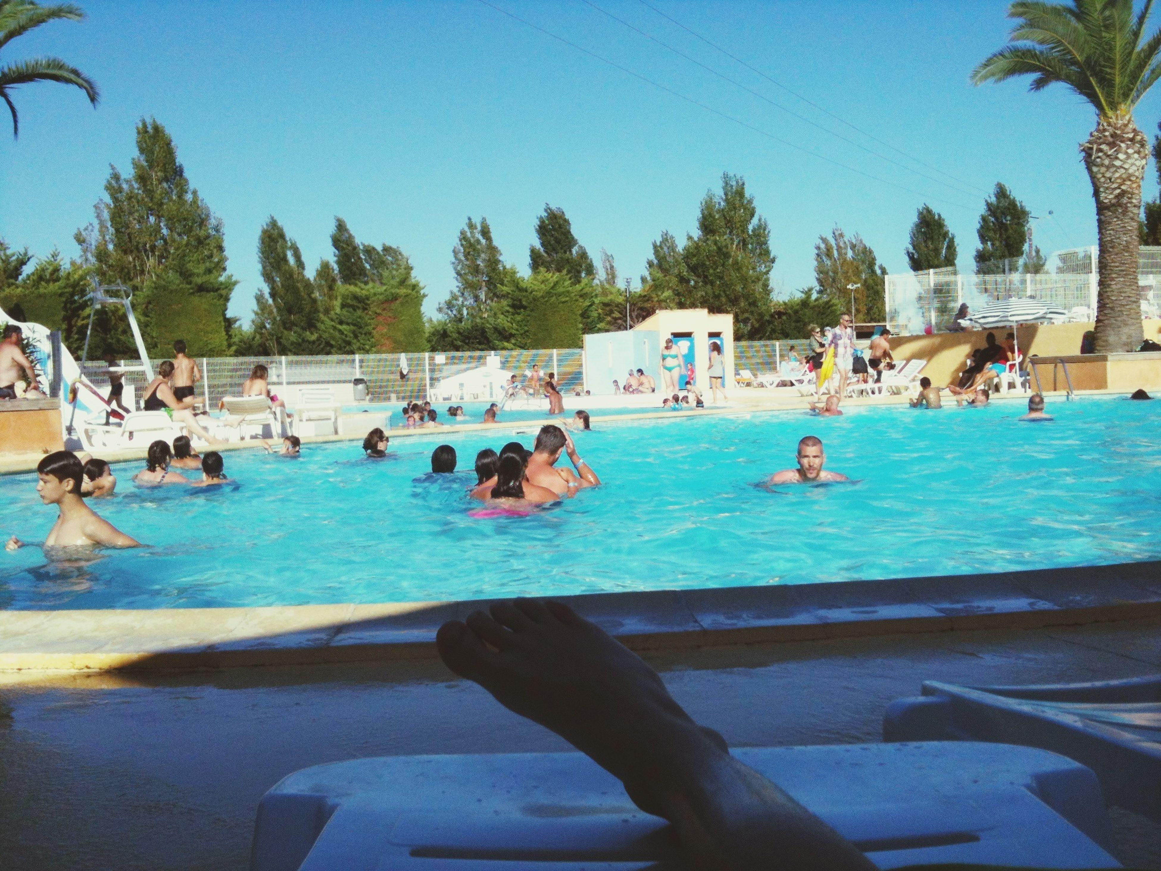 A la piscine du camping la semaine dernière