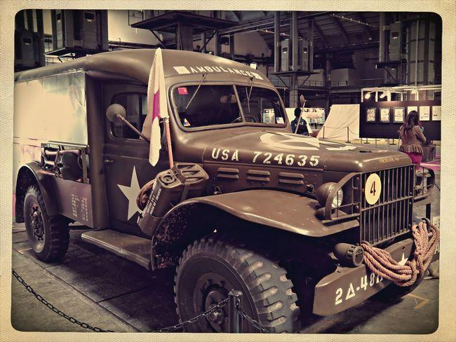 Exposition Ambulance War Memorial Salon Del Comic