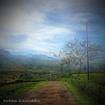 Relaxing at My home by Dirham Zainuddin