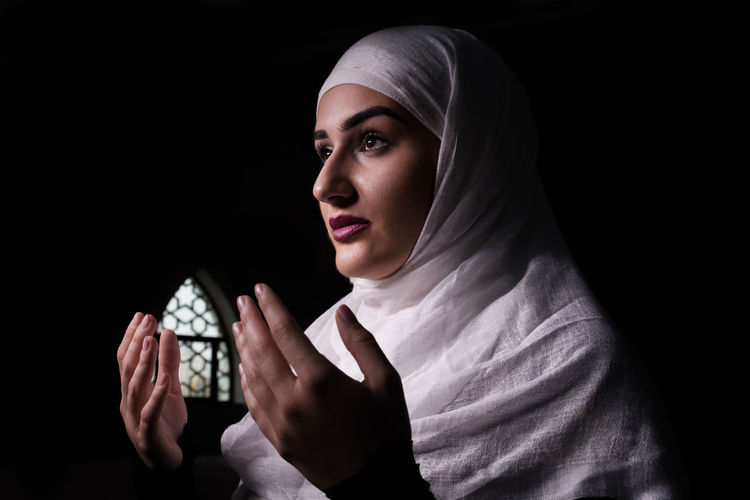 Image result for images of muslim girl praying