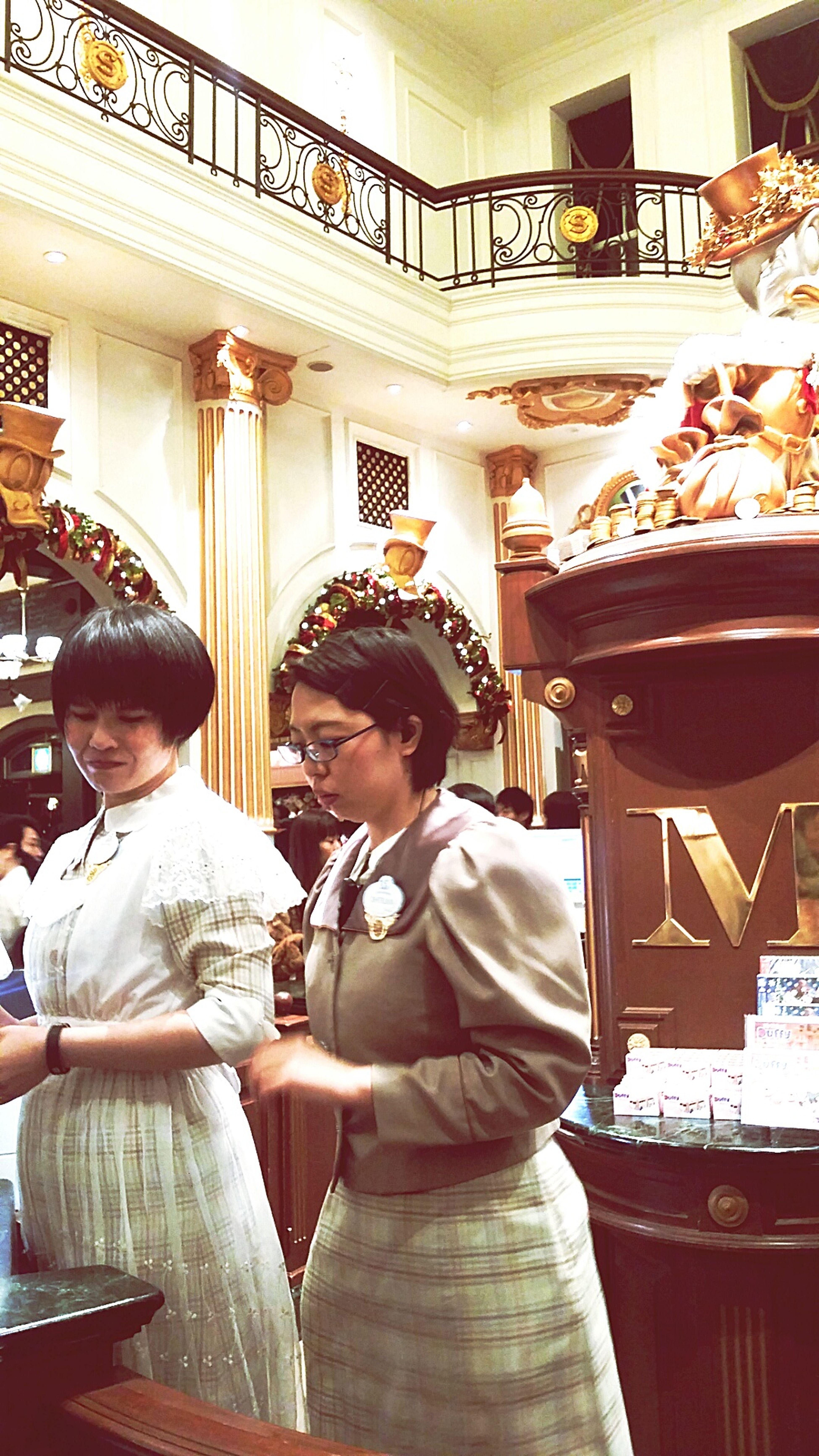 Disney Staff Costume Period Costume Tokyostreetphotography Japanstreetphotography Streetphotography Tokyo Japan Tokyodisneysea DisneySea TokyoDec2016 JapanDec2016