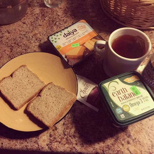 Rise and shine! Time for a cruelty free guilt free Breakfast Daiyafoods Deliciouslydairyfree Vegancheddar choiceorganic englishbreakfast brownricesyrup from @lundbergfarms and new vegan earthbalancenatural plantbasedfriendly butteryspread nongmo omega3 whatveganseat