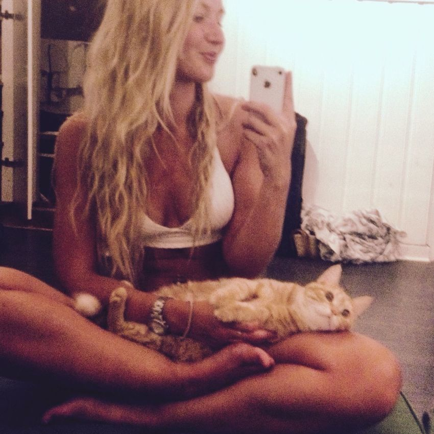 I just Love this Cat ! Tigerlou Yoga Check This Out Hello World Enjoying Life Home Sarah That's Me