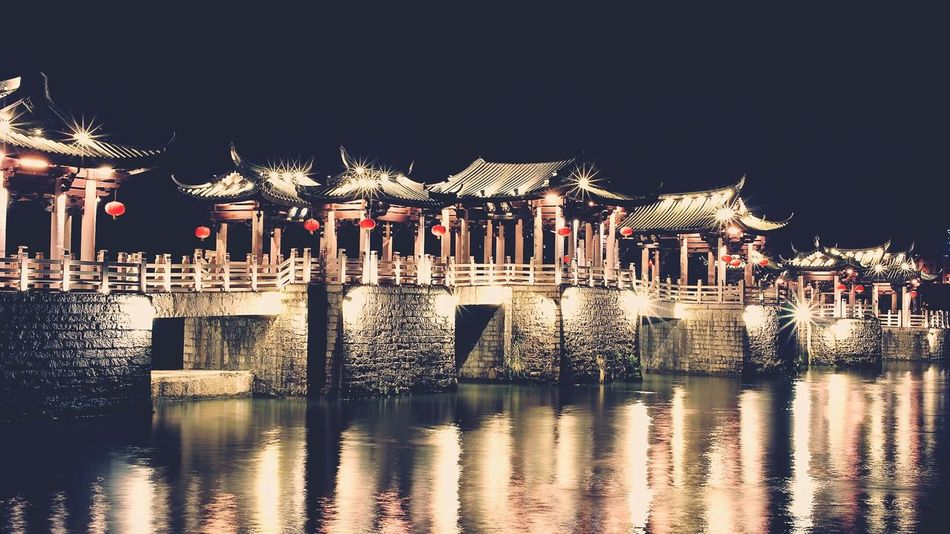 Light And Shadow 43 Golden Moments Landmark Bridge Stone Bridge Over The Water Darkness And Light Feel The Journey China Culture Ancient Architecture Architecture Building
