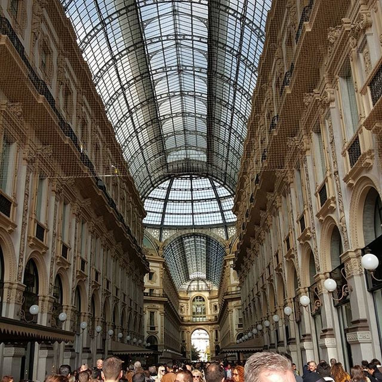architecture, travel destinations, built structure, tourism, arch, travel, history, ceiling, dome, indoors, city, day, people, adult, adults only