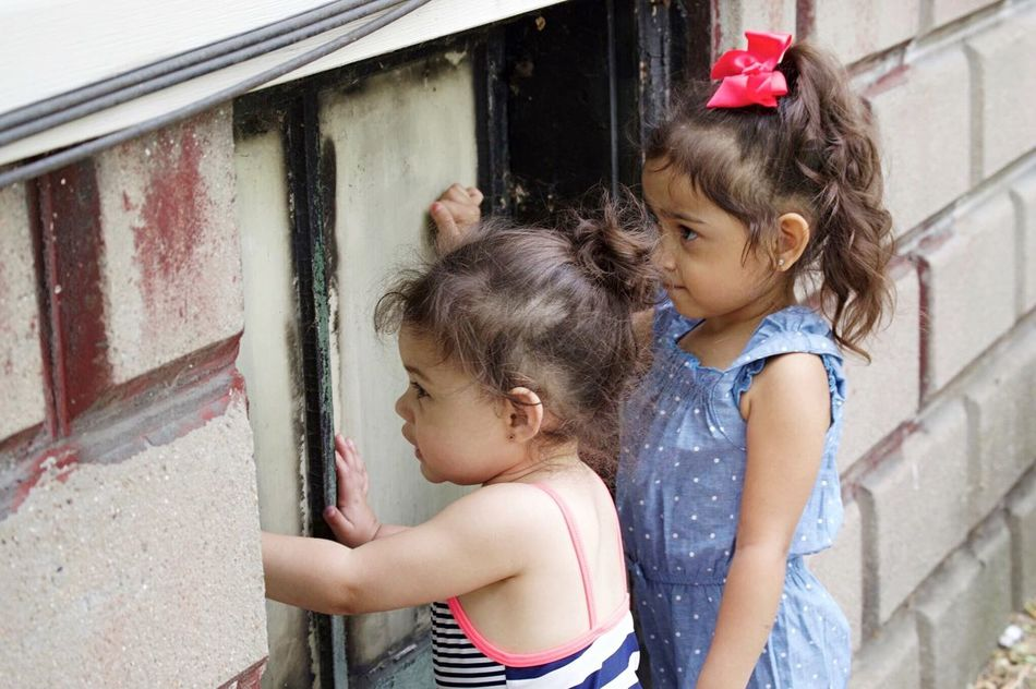 Child Girls Females Bonding Day Outdoors People Togetherness Cheerful Fun Detroit Girl Twoyearold  Children Only Happiness Enjoying Life Childhood Fouryearsold