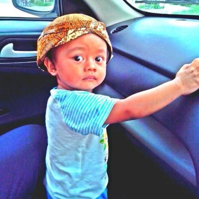 cilik orak disongko bocah,gedi orak disongko bapak. Javanese Philosophy Soul Childrenphoto