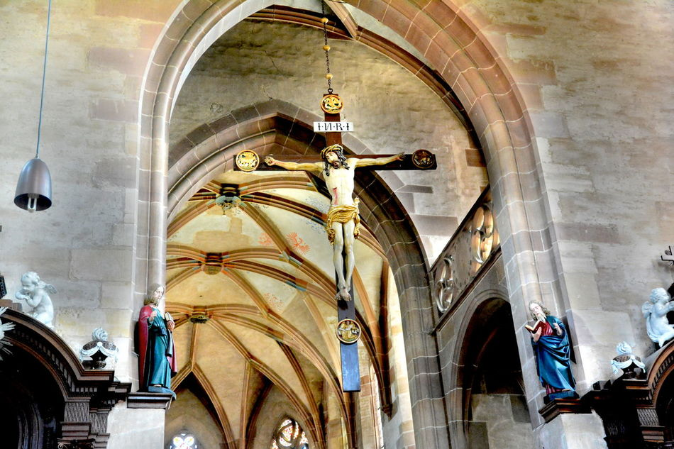 Arch Architecture Building Exterior Built Structure Cross Day Human Representation Jesus No People Outdoors Place Of Worship Religion Sculpture Spirituality Statue Travel Destinations