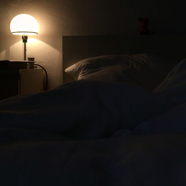 Light Bed Sick Sleep Reading Books Lamp Nighttable Rest