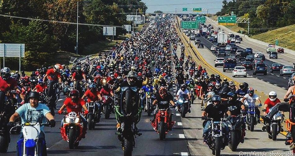 When the stunt riders taking over the streets, it can look like this 😀👌🏻 Large Group Of People Crowd Road Real People Outdoors Motorcycle City SportBikeLife Biker Motorcycles Stunts Stunt From My Perspective From My Point Of View Followme EyeEm Selects Roc2k17 Enjoying Life My Life Bikelife Streetfighter Enjoy Awesome Motorcycle People
