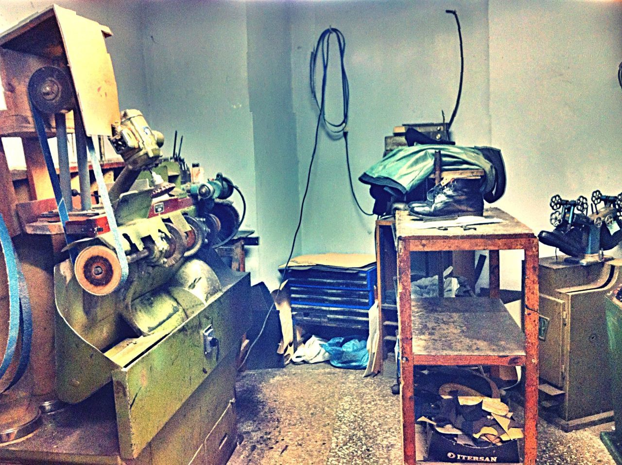 Shoe Maker Calzolaio Lu Scarparu Neviano Italy Stifanibrothers