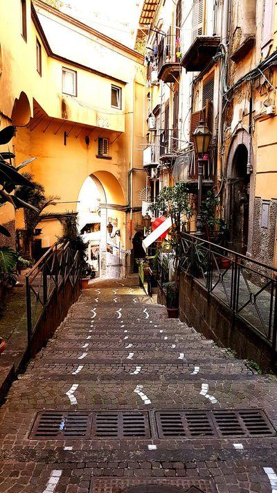 Kleine Gassen In Der Innenstadt Von Neapel