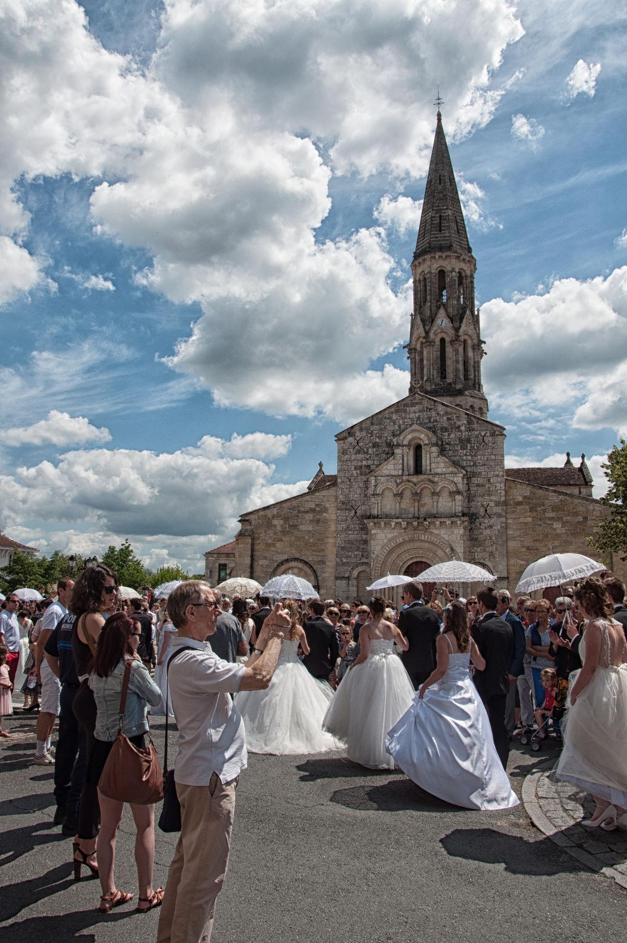 Fête de la Rosière 2016 Eglise Fete Fête De La Rosière La Brède Montesquieu Sky Sky And Clouds Traditional