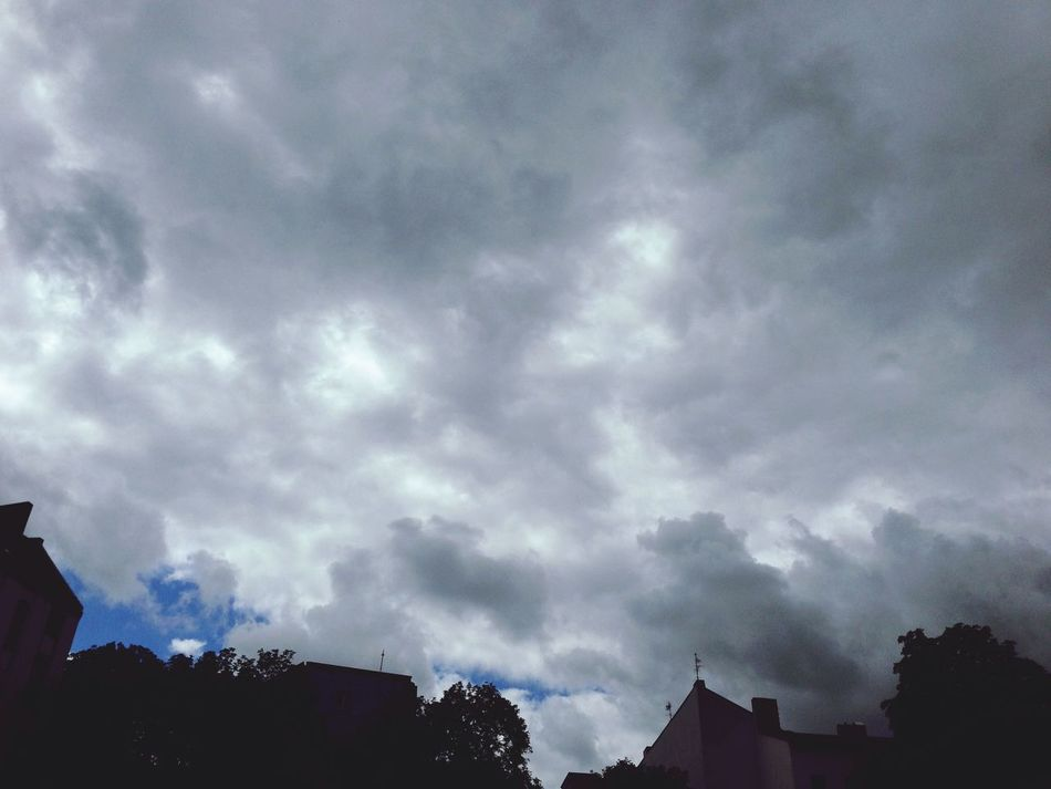 Indeed ... There is blue sky... Summerinberlin