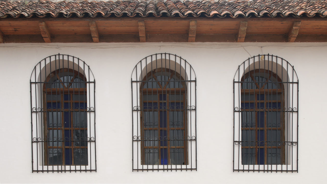 Windows on the wall #Window Architecture Building Exterior Day Façade Honduras No People Photography Town First Eyeem Photo