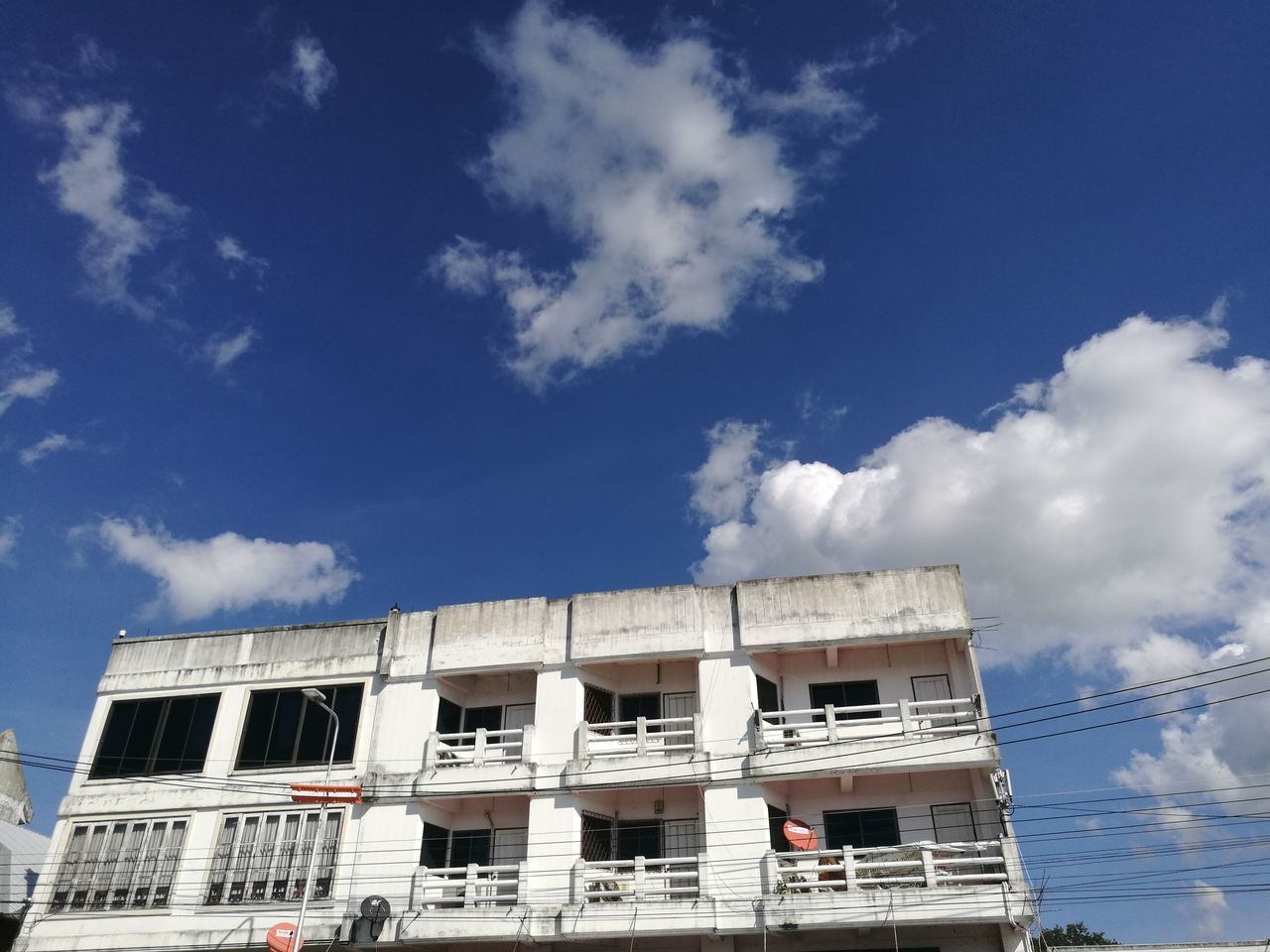 Built Structure Politics And Government Architecture Business Finance And Industry Cloud - Sky Science No People Sky Outdoors Day Astronomy HuaweiP9 Huawei The City Light EyeEmNewHere Building Architecture Cityscape City Minimalist Architecture