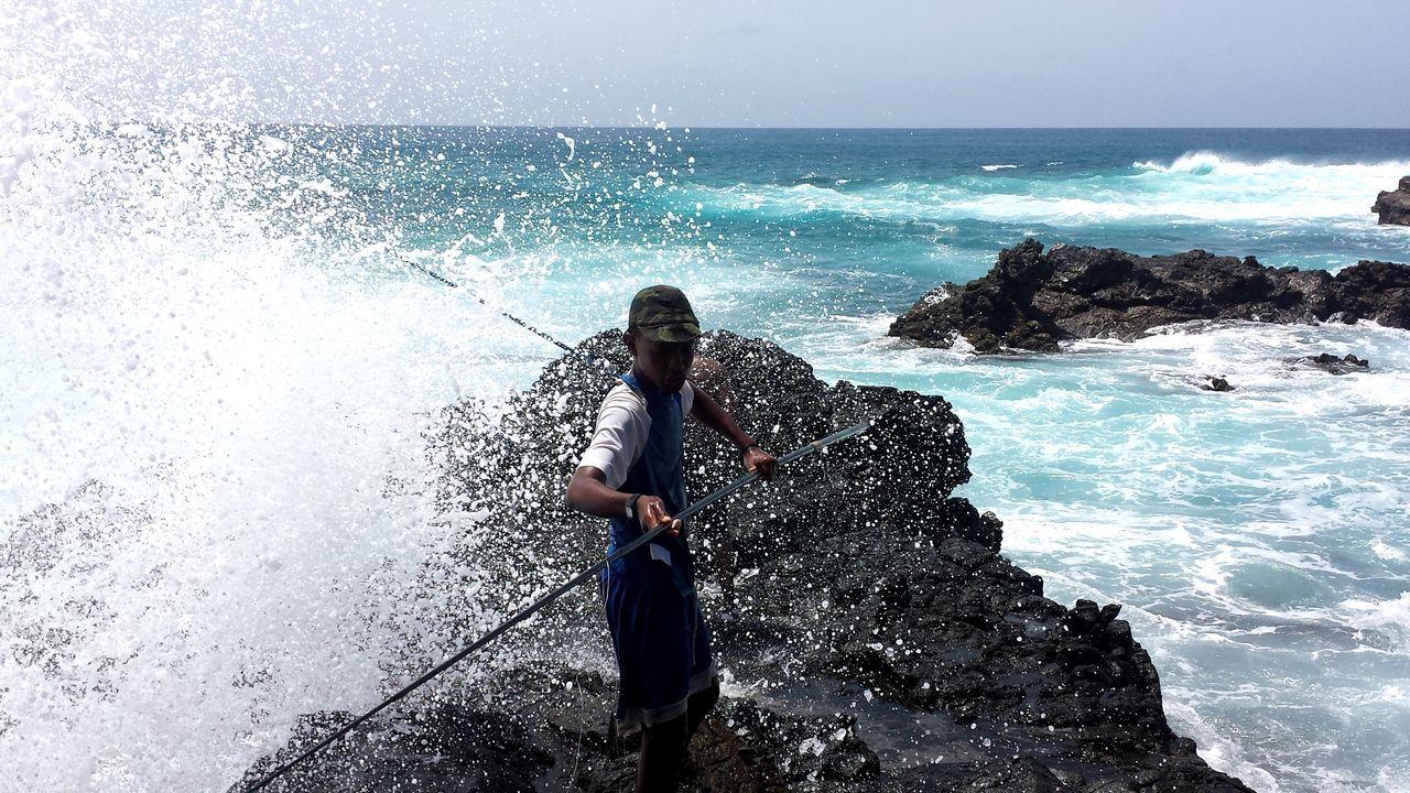 Cap Verde Cap Vert Sea Water Horizon Over Water One Person Real People Fishing Fish Island Island Living Lifestyles Art Is Everywhere EyeEmNewHere Eyeemphotography Beach Waves, Ocean, Nature Wave Splash