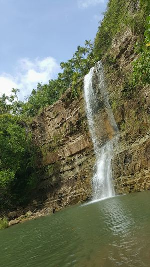 Water Outdoors Nature Waterfall Love The Outdoors Beauty In Nature Small Falls Freshness Hikerslife Take A Dip