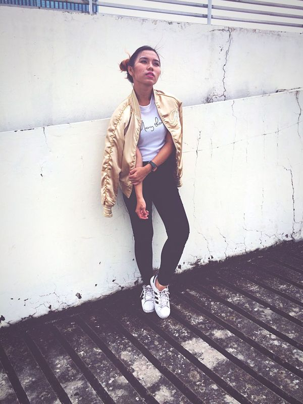 outfit by me 💕💕 Real People Lifestyles Outdoors First Eyeem Photo Ootd Style INDONESIA Indonesia_photography Model Casual Followme Like4like Bomber Jacket Adidas