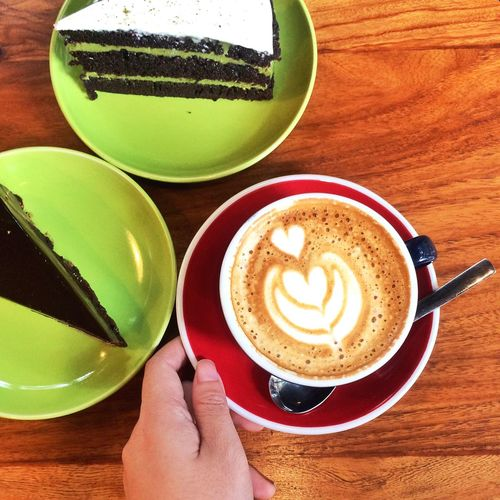Red And Green Coffee Coffee Time Cafe Time Coffee Cup Coffee And Sweets Coffee ☕ Coffeetime Coffee And Cake Time Coffee And Cake Coffee And Cake :) Still Life Cappuccino Dessert And Coffee