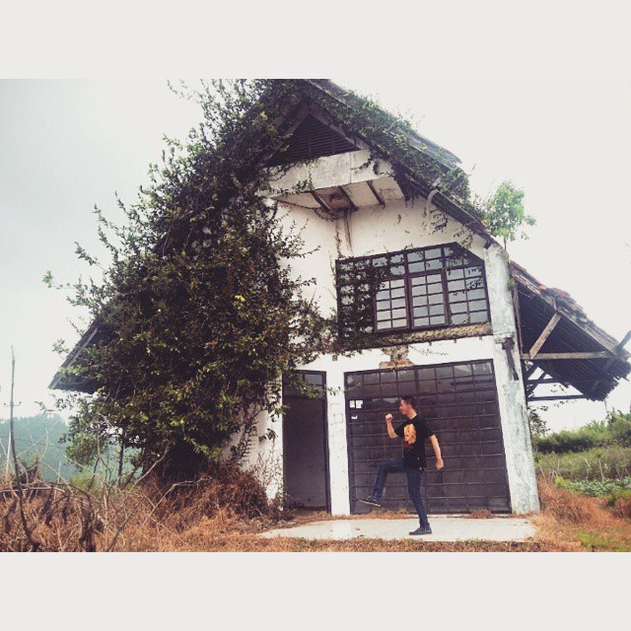 """Edisi : JarambahMisteri Shooting """"De Konjuring Part III"""" Cooming soon 2017 Taken by : @rinatambayani JarambahBandung DiBawahLangitBandung BandungIsMe"""